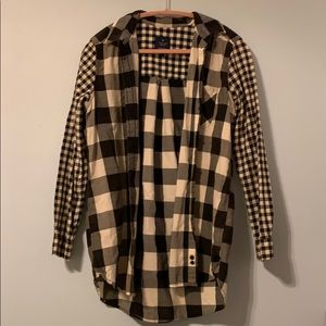 Medium Black and White Checkered Flannel AE